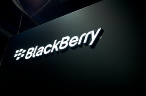 BlackBerry rompe alianza con T-Mobile.