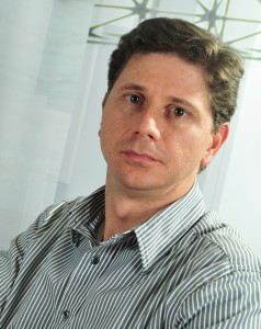 Hernán Quirós, Director General de Softland.