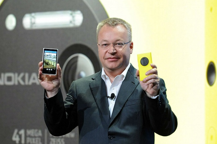 Stephen-Elop-Lumia-1020